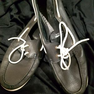 Mens size 9 Italian leather boat shoes